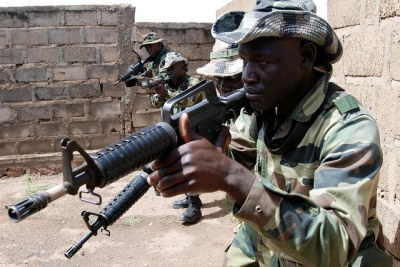 Senegalese and Malian soldiers train with U.S. special forces.