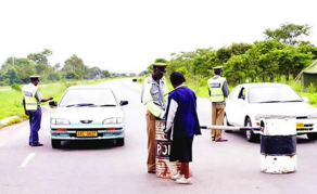 'I Want The Money': Zimbabwe Traffic Police At It Again - VIDEO
