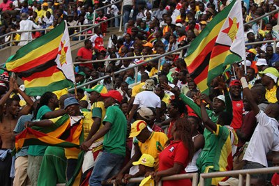 Zimbabwe soccer fans (file photo).