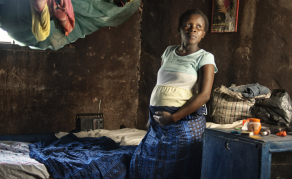 Hospital Births May Be Safer Option for Malawian Moms
