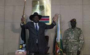 South Sudan's Kiir Fires Bank Governor, Deputy