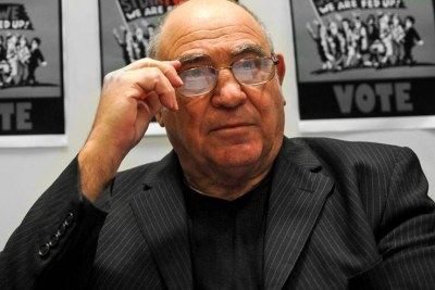 Former South African intelligence minister, Ronnie Kasrils (file photo).
