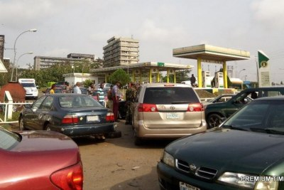 Rowdy NNPC mega filling station as fuel scarcity persists in Benin on Tuesday.