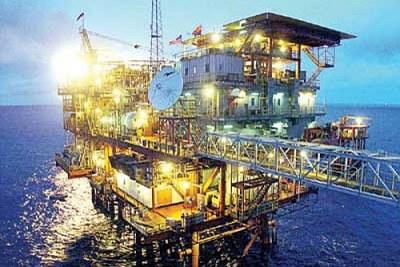 La production des bassins exploités à ce jour est estimée à 25.000 barils par jour dont 15.000 on shore et 10.000 off shore