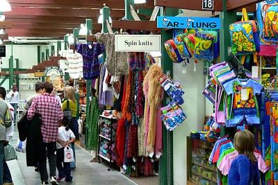 Un marché artisanal