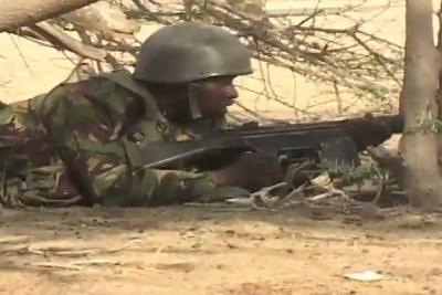 Un soldat Kenyan à Somalie.