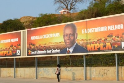 Recently re-elected President of Angola' Jose Eduardo dos Santos during campaigns (file photo).