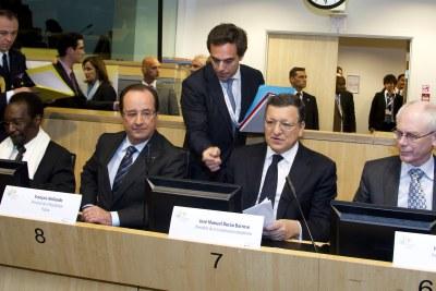 Conférence des donateurs pour le développement du Mali - De gauche à droite : M. Dioncounda TRAORE, Président du Mali, M. Francois HOLLANDE, Président de la République française; M. José Manuel BARROSO, Président de la Commission européenne; M. Herman VAN ROMPUY, Président du Conseil européen.