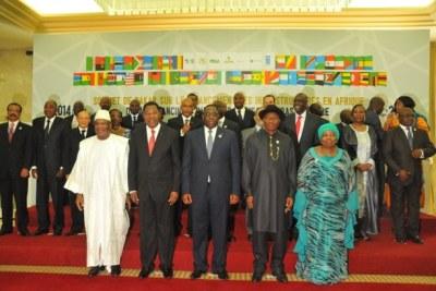 Le Sommet de Dakar sur le financement des infrastructures du NEPAD, le 15 juin 2014