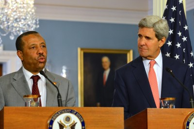 U.S.Secretary of State John Kerry and Libyan Prime Minister al-Thinni address reporters (file photo).