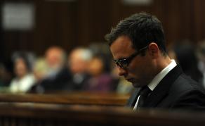 Pistorius condamné à une nouvelle peine de plus de 13 ans de prison en RSA