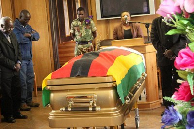 People pay thier last respects to the late National Heroine Victoria Chitepo at One Commando Regiment.