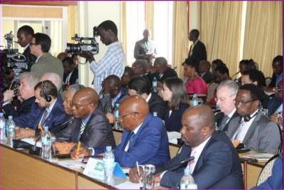 Participants au dialogue inter-burundais.