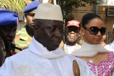 Président Yahya Jammeh et son épouse.