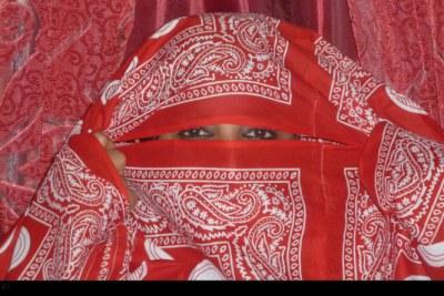Le shiromani, un emblème de l'archipel des Comores, est un tissu de coton aux couleurs chatoyantes, qui sert de voile aux femmes comoriennes après le lesso. C'est surtout sur l'île d'Anjouan où ce voile est très porté.
