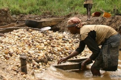 Creuseurs artisanaux de l'or près de Lubero, Nord Kivu