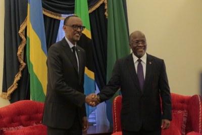 Le President de la Tanzanie John Magufuli et le Président du Rwanda Paul Kagame.