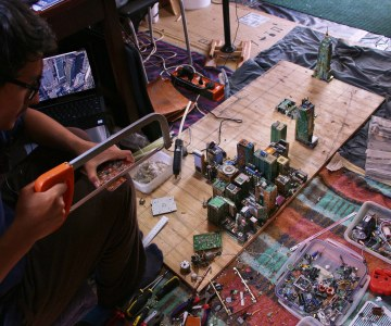 Zimbabwean Teen Builds Model of Midtown Manhattan Using Recycled Computer Parts