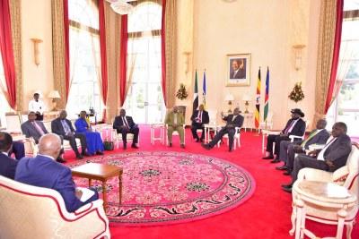 Talks between Salva Kiir and Riek Machar, hosted by Ugandan President Yoweri Museveni (file photo).