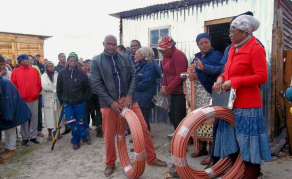 Residents Build Own Water Pipes in Drought-Hit Cape Town