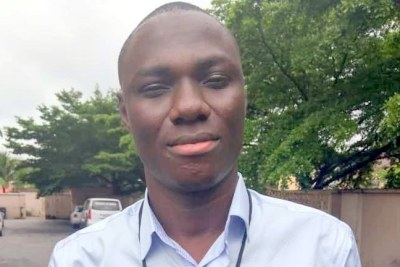 Samuel Ogundipe, a reporter at Premium Times, after his release from the Police Station