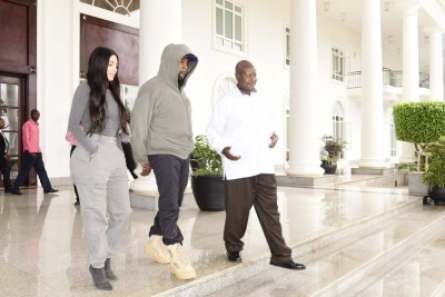 President Yoweri Museveni meets with Khanye West and Kim Kardashian.