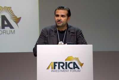 Ashish Thakkar presents the Mara Phone to Africa Investment Forum in Johannesburg.