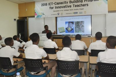 Students during an ICT course in one of the smart classrooms at Saint André.