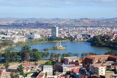 Vue sur le Lac Anosy en juillet 2009, au centre de la ville d'Antananarivo, capitale de Madagascar.