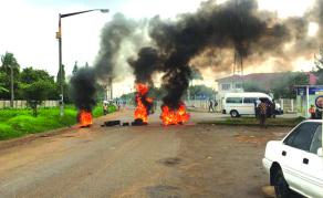 Manifestations meurtrières contre la hausse des prix du pétrole au Zimbabwé