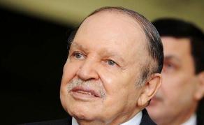 Renoncement de Bouteflika à un nouveau mandat