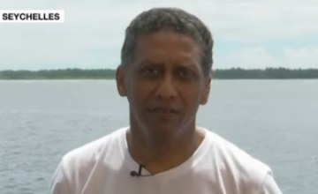 Seychelles President Makes Plea for Oceans - From Submersible