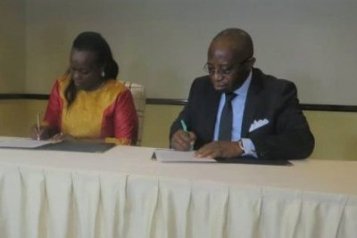 Le ministre intérimaire de la Santé publique de la RDC Pierre Kangudia Dr Diane Gashumba, ministre de la Santé du Rwanda le 6/8/2019 à Rubavu au Rwanda
