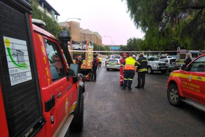 ER24 and other services are on scene at a hotel in Centurion CBD where approximately 70 people are trapped.