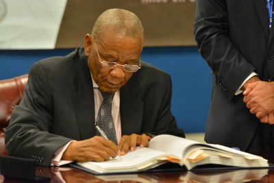 Lesotho Prime Minister Tom Thabane (file photo).