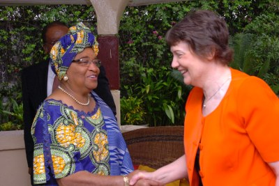 Liberia President Ellen Johnson Sirleaf (left) with Helen Clark during the UNDP Administrator's visit to Liberia in June 2009. (Photo: UNDP)