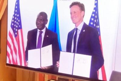 Le gouvernement du Burkina Faso et le Millenium Challenge Corporation (MCC) du gouvernement des États-Unis ont signé à Washington, le jeudi 13 août 2020, un Compact quinquennal de plus de 500 millions de dollars US.