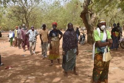 La FAO et le PAM collaborent afin de faire face aux crises au Burkina Faso en fournissant une aide alimentaire et un soutien aux moyens d'existence aux personnes déplacées et aux communautés hôtes.
