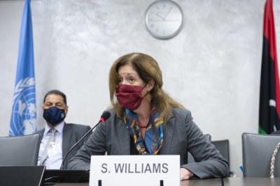 La cheffe de la Mission d'appui des Nations Unies pour la Libye, Stephanie Williams, lors d'une session de la Commission militaire mixte libyyenne le 19 octobre 2020.