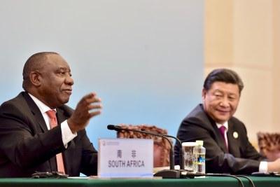 Le président sud-africain Cyril Ramaphosa et le président chinois Xi Jinping lors de la conférence de presse de clôture du Forum sur la coopération Chine-Afrique à Beijing en 2018.