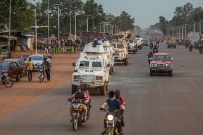 La MINUSCA a déployé des unités de police dans la capitale de la République centrafricaine, Bangui, et aux alentours après des attaques par des groupes armés au nord-ouest de la ville. (archives)