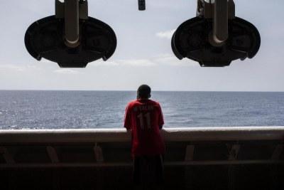 Un migrant secouru en Méditerranée à bord du Geo Barents le 20 septembre 2021. © Pablo